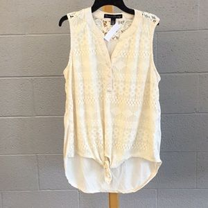 Lg French laundry cream sleeveless blouse w lace